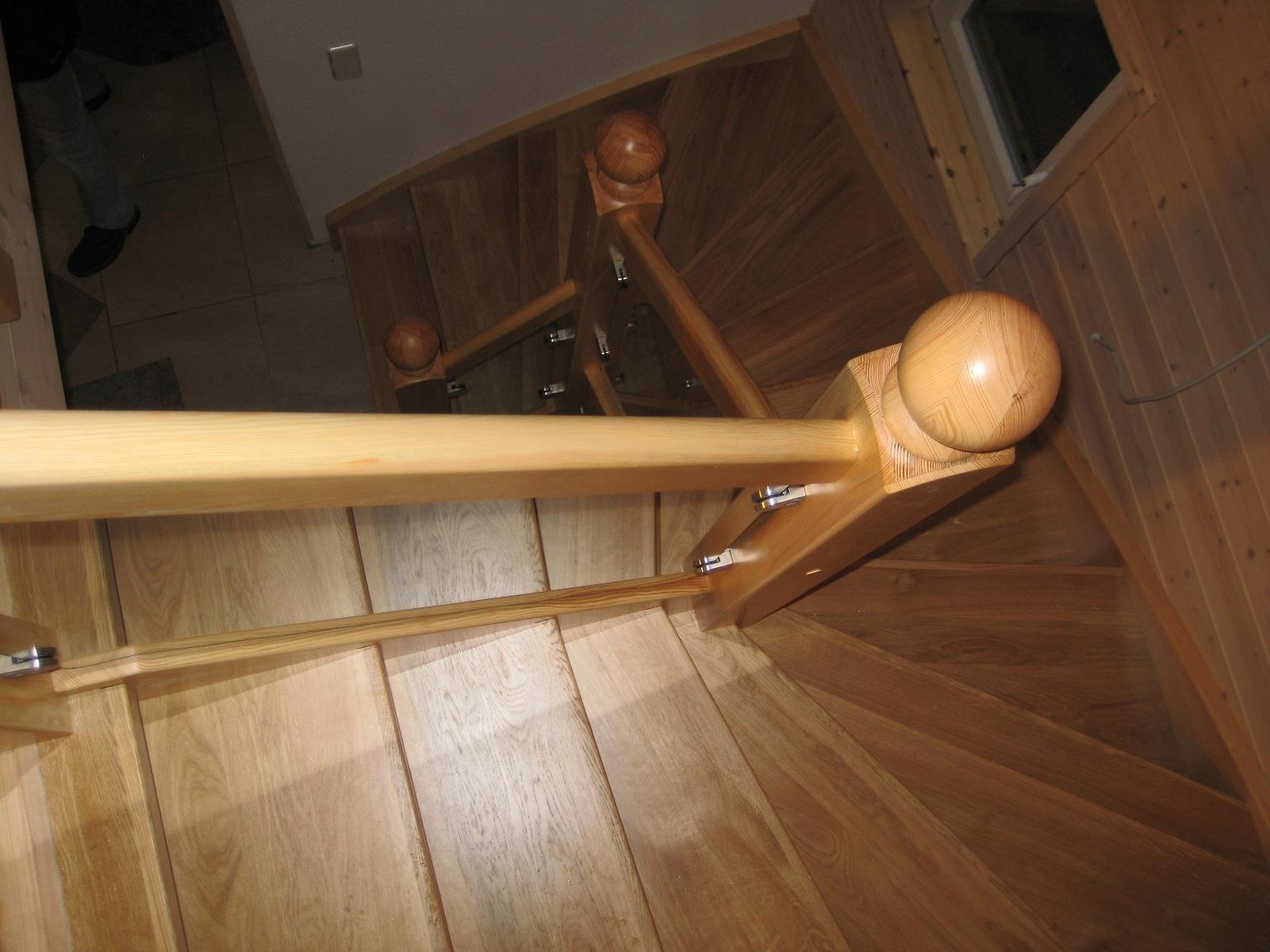 14476 potsdam lieferung und montage massivholztreppe und gel nder vip building gmbh. Black Bedroom Furniture Sets. Home Design Ideas